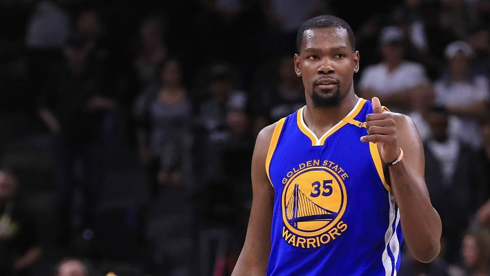Kevin Durant leads the Warriors in Thursday's San Antonio Spurs vs. Golden State Warriors betting matchup