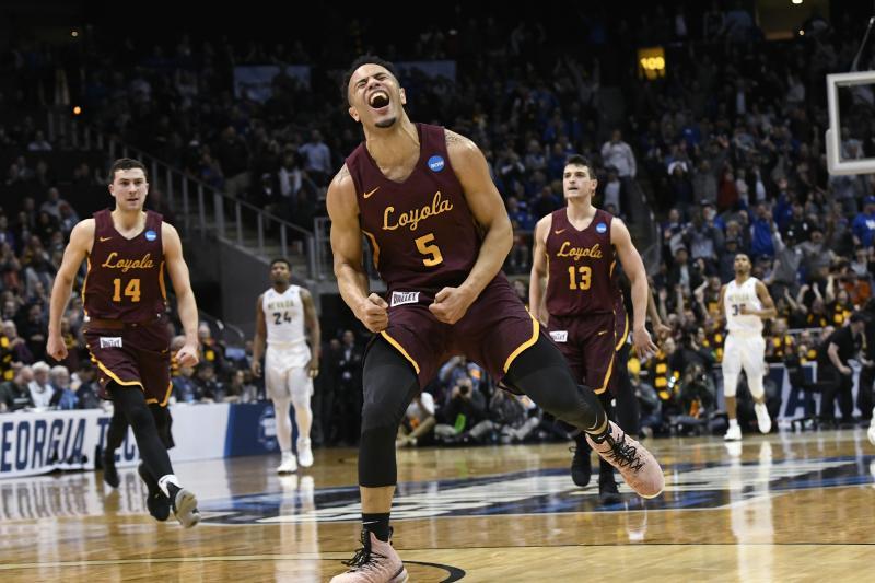 Loyola (Chi) celebrates making the Elite Eight round